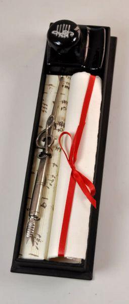 Schreibset mit Federhalter aus Zinn, Tinte und Papier