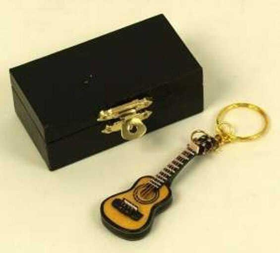 Schlüsselanhänger Gitarre hell 7cm
